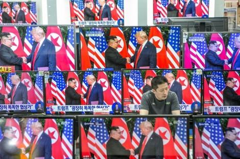 Báo Hàn Quốc tiết lộ ông Donald Trump và Kim Jong Un có thể gặp nhau ở Hà Nội