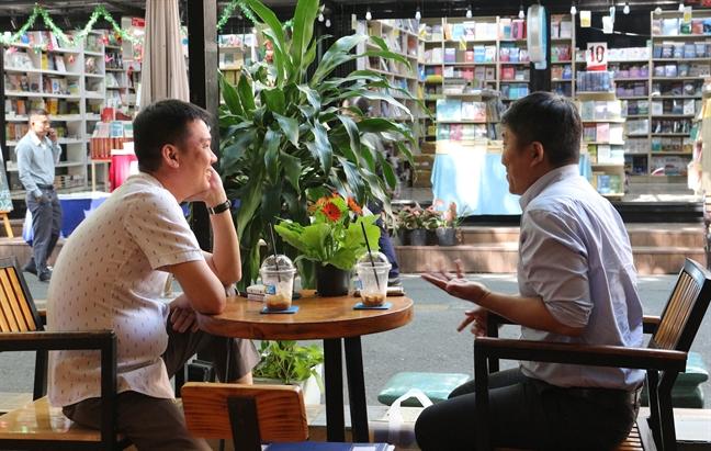 Duong sach Thanh pho da khac o tuoi len ba