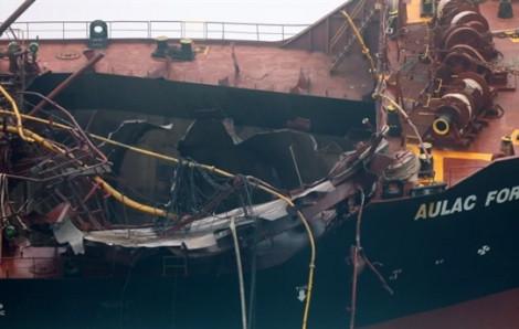 Sau hỏa hoạn, tàu chở dầu Aulac Fortune phải mất nhiều ngày mới nguội
