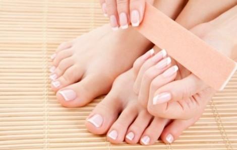 Hướng dẫn tự làm móng tay - chân tại nhà