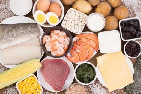 Chuyên gia nói gì về chuyện mì ăn liền gây nóng?