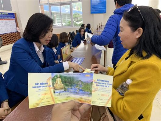 Mien ve tham quan Yen Tu va vinh Ha Long cho khach bay TP.HCM - Van Don