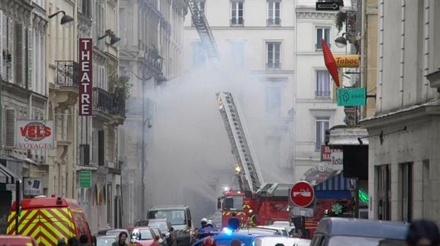 Paris: No lon tai tiem banh mi, nhieu nguoi bi thuong, pho xa hon loan