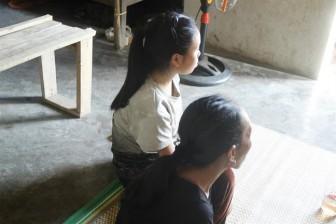 Những bà mẹ bất đắc dĩ ở lứa tuổi học sinh