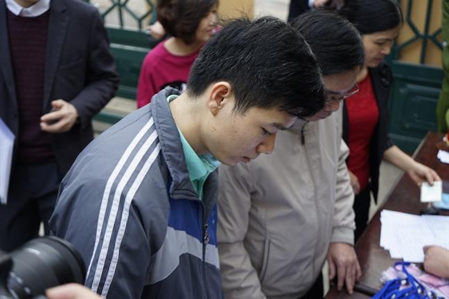 Xet xu so tham tai bien chay than lam 9 nguoi chet: Bac si Hoang Cong Luong da co mat tai toa
