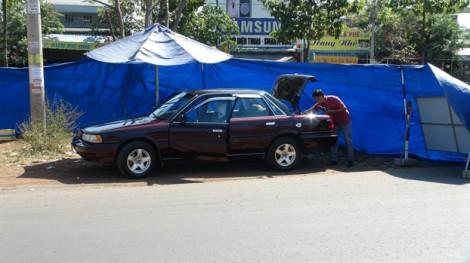 Xe của Phó phòng pháp chế Chi cục Kiểm lâm Bình Phước nghi bị đặt mìn tự chế
