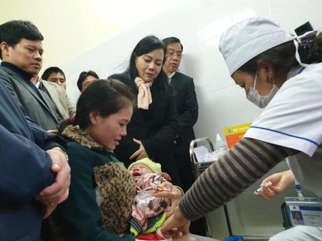 Không chần chừ nhập viện nếu trẻ thở rên sau khi tiêm vắc xin ComBE Five