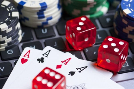 Gần đến Tết, khốn khổ vì mẹ chồng nghiện cờ bạc