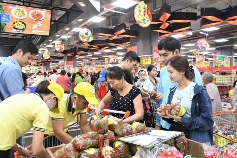 Đại siêu thị Co.opXtra Phạm Văn Đồng tặng xe Piaggio hút khách