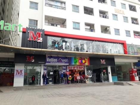 Nhóm thanh niên trêu ghẹo rồi hành hung dã man nữ nhân viên cửa hàng quần áo
