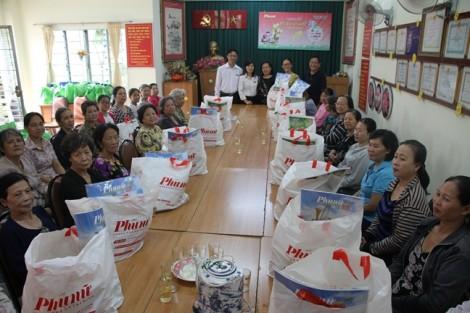 Báo Phụ nữ dành hơn 1.200 phần quà tết Xuân Kỷ Hợi 2019 cho người nghèo