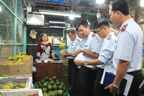 15% nong san tai cho dau moi Thu Duc la hang Trung Quoc