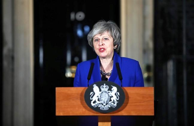 Thu tuong Theresa May va lua chon di den cung