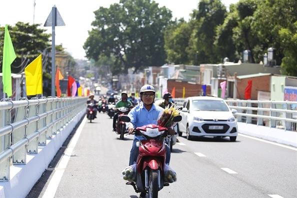 Thong xe cau vuot Nguyen Kiem giai toa ach tac cua ngo Tan Son Nhat