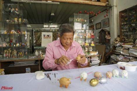 Thầy giáo chế tác 70 chú heo bằng vỏ trứng đón tết Kỷ Hợi