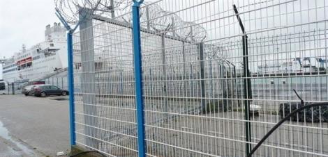 Hai năm tù cho tài xế chở 10 người Việt nhập cư trái phép vào Anh
