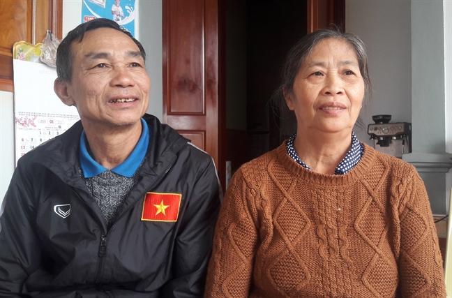 Me cau thu Cong Phuong: 'Cha me xem con da bong ma tho khong noi'