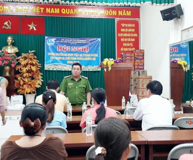 Quan 2: Tuyen truyen phong chong toi pham va Luat Giao thong duong bo cho hoi vien