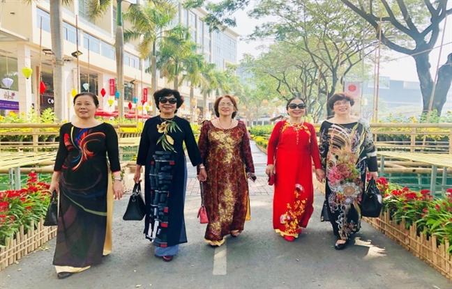 Hoi cho hoa xuan Phu My Hung 2019: Khach du xuan truoc gio khai mac