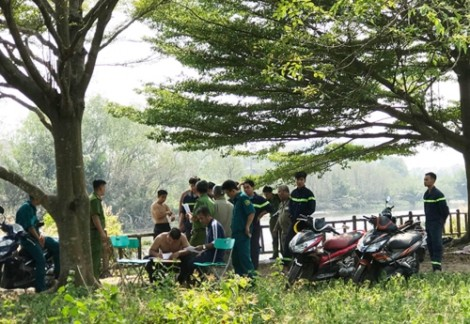 Người phụ nữ ở TP.HCM tử vong khi thả cá chép đưa ông Táo