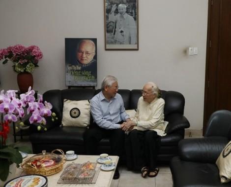 Tổng Bí thư, Chủ tịch nước Nguyễn Phú Trọng và nhiều lãnh đạo thăm, chúc Tết gia đình chính sách, khó khăn