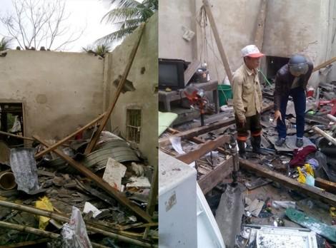 Nổ lớn tung mái nhà, 5 người thương vong