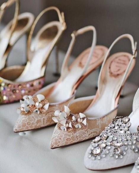 Những kiểu giày đính kết điệu đà cho nàng diện tết