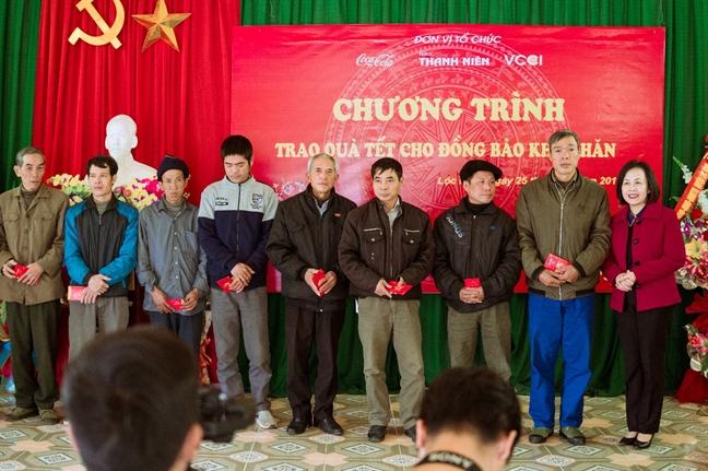 Giai golf tu thien 'Gan ket yeu thuong 2019' trao qua tet cho dong bao huyen mien nui Loc Binh, tinh Lang Son