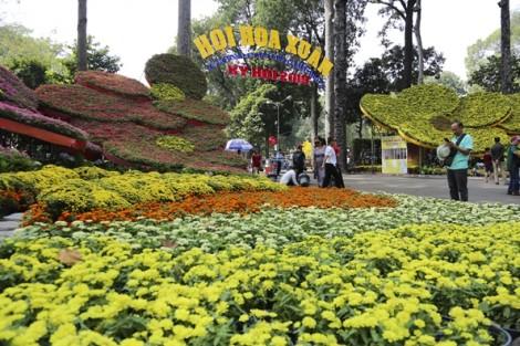 Nhộn nhịp, mãn nhãn với hội hoa xuân lớn nhất Sài Gòn
