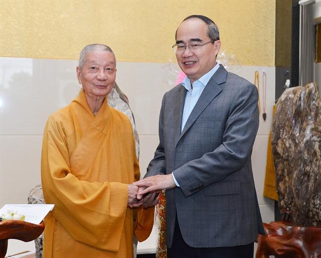 Bi thu Nguyen Thien Nhan: Giu nguyen cong trinh ton giao mang gia tri van hoa, lich su