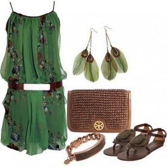 Chọn màu trang phục hợp mệnh cho ngày đầu năm