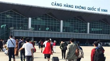 Máy bay đi Vinh liên tục đáp Hà Nội, Đà Nẵng vì thời tiết xấu