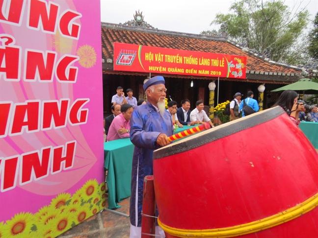 Tung bung khai hoi vat lang Thu Le - Thua Thien Hue
