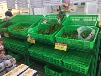 Ngày cuối kỳ nghỉ tết, siêu thị thiếu thủy hải sản, rau xanh
