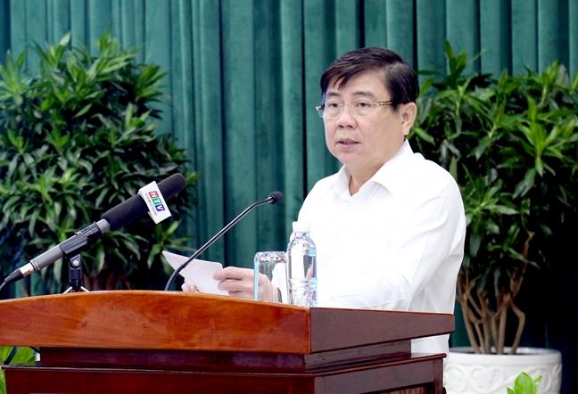 Chu tich UBND TP.HCM Nguyen Thanh Phong: 'Can bo tuyet doi khong duoc di le hoi trong gio hanh chinh'