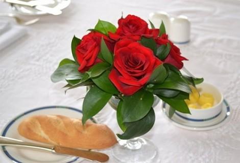 Quà Valentine cho vợ - chồng: Chỉ có 'bánh mì'?