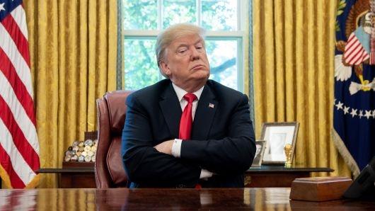Tong thong Trump ban bo tinh trang khan cap de lay tien xay tuong bien gioi