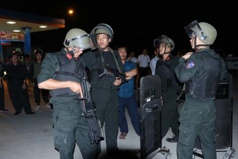 Bắt thêm nhiều nghi phạm trong vụ nhóm buôn ma túy ôm lựu đạn cố thủ