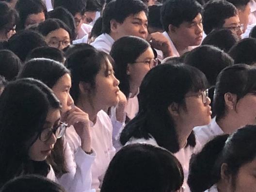 Quan 1: Hon 1.000 hoc sinh tham du chuyen de phong chong bao luc hoc duong