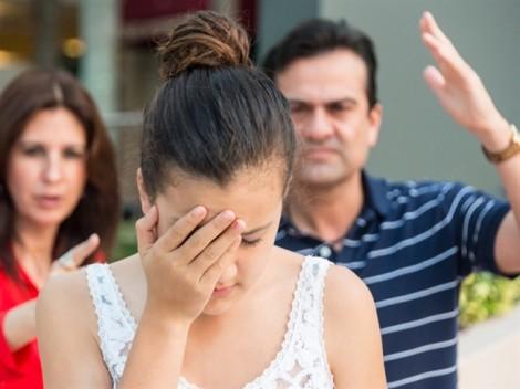 Ba mẹ muốn tôi lấy chồng giàu để gia đình 'thoát nghèo'