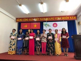 Hội Nữ trí thức TP.HCM trao tặng 58 xe đạp cho học sinh nghèo tỉnh Gia Lai