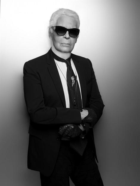 'Ông hoàng thời trang' Karl Lagerfeld qua đời