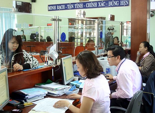 Bi thu Thanh uy TP.HCM Nguyen Thien Nhan: 'Cai cuc kho cua dan phai dung cham trai tim cong chuc'