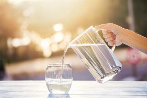 Mẹo vặt chữa khô miệng cho ngày nắng nóng