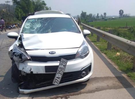 Chị tử vong, em nguy kịch khi va chạm với ô tô trên đường đi học về