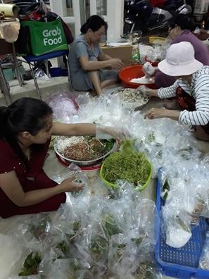 Huyen Nha Be: Hon 1.400 suat an chay mien phi cho nguoi ngheo