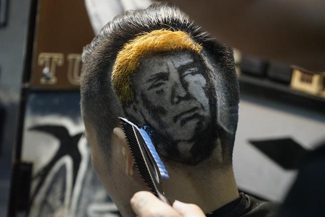 'Dieu khac' hinh ong Donald Trump len toc truoc Hoi nghi thuong dinh My - Trieu