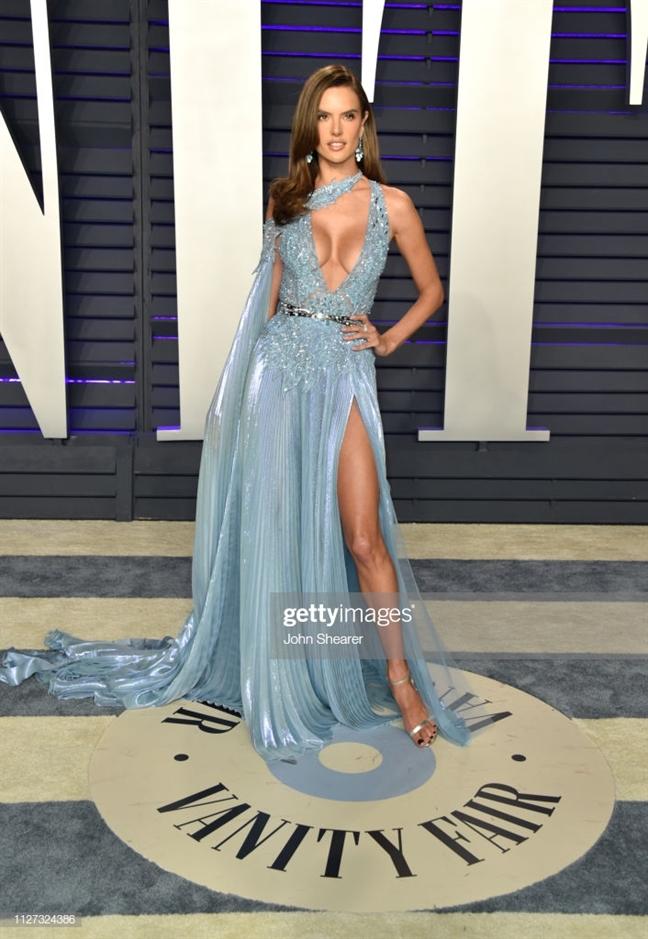 Thiet ke cua Cong Tri duoc long nhieu my nhan Hollywood tai Oscar 2019