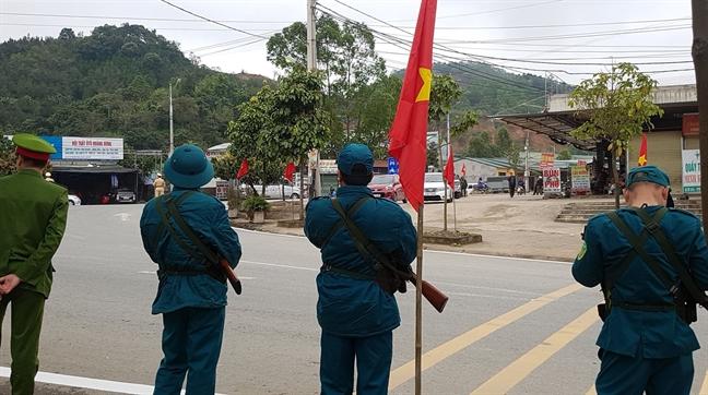 Hang tram nguoi cho don nha lanh dao Trieu Tien tai Lang Son