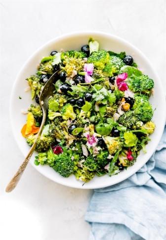 Giảm cân với salad detox ngon miệng đẹp mắt